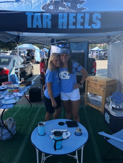 Tailgate Mom/Daughter!