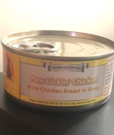 PAW LICKIN' Chicken!